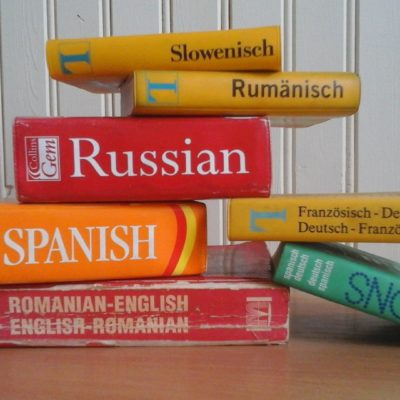 Is it possible to learn to read and write in several languages at the same time?